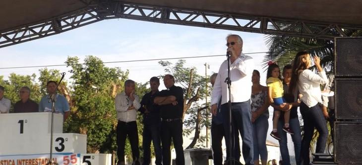 VEREADORES DE ALPESTRE AJUDAM NA ENTREGA DA PRÊMIÇÃO DA 27ª RÚSTICA.